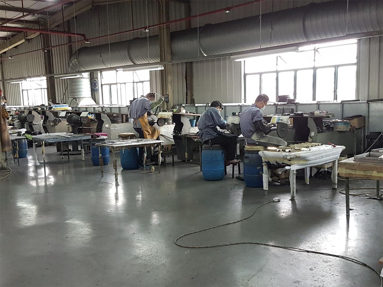 Decca Europe Metal Finishing Techniques