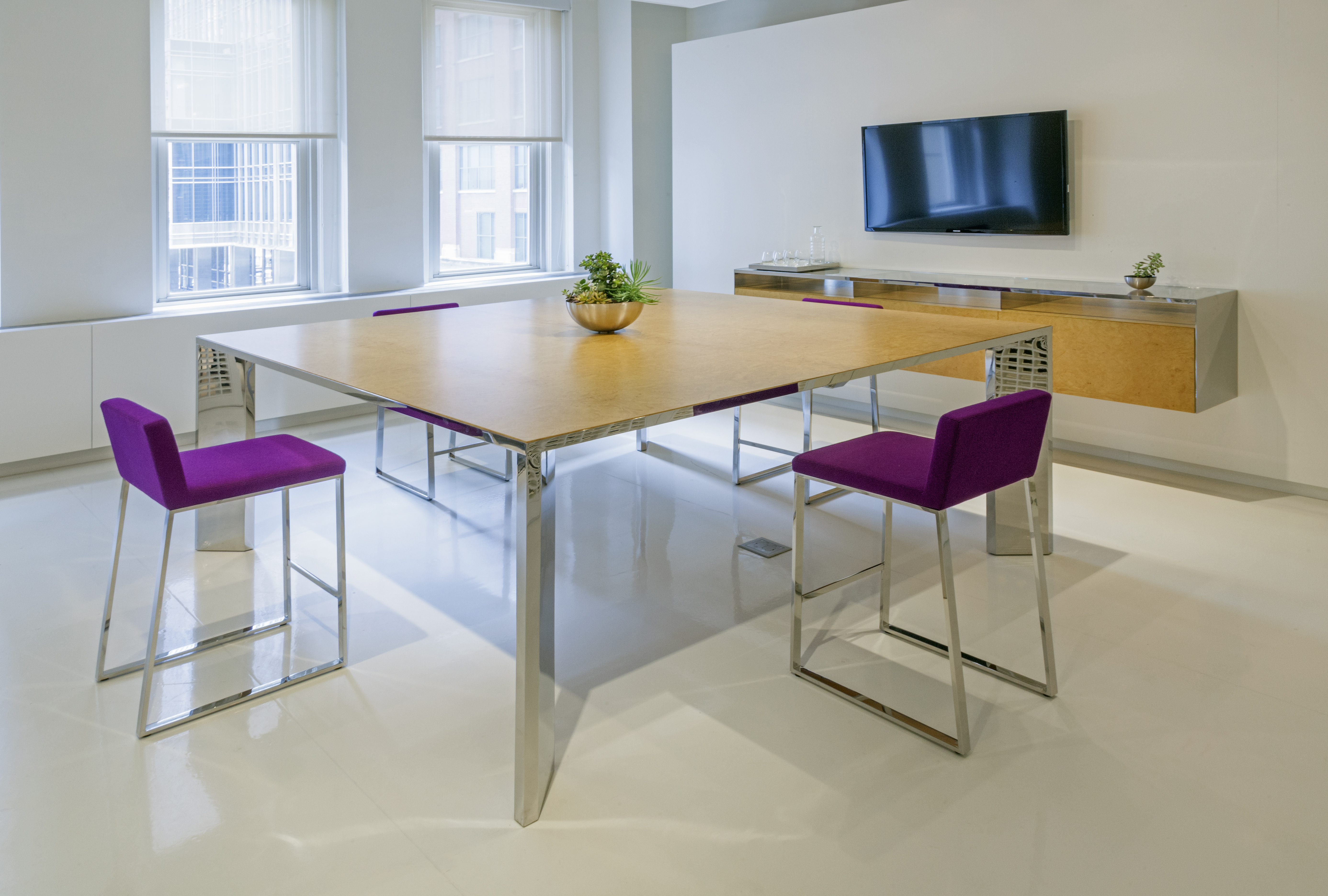 Dialogue Collection designed by Brian Graham // Modern design // Office furniture