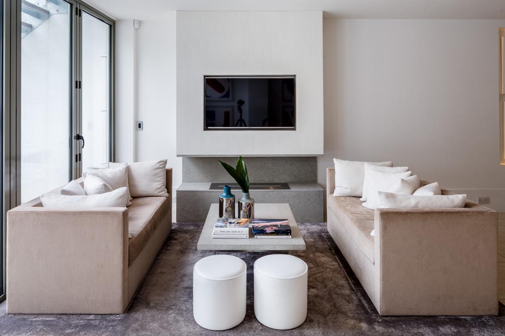 Decca London-residential projects-Michael Veal-kitchen-bespoke furniture-seating area-bespoke sofa