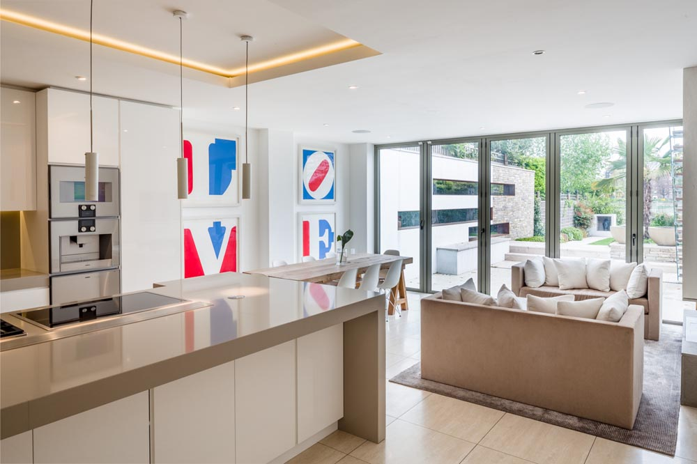 Decca London-residential projects-Michael Veal-kitchen-bespoke furniture-seating area