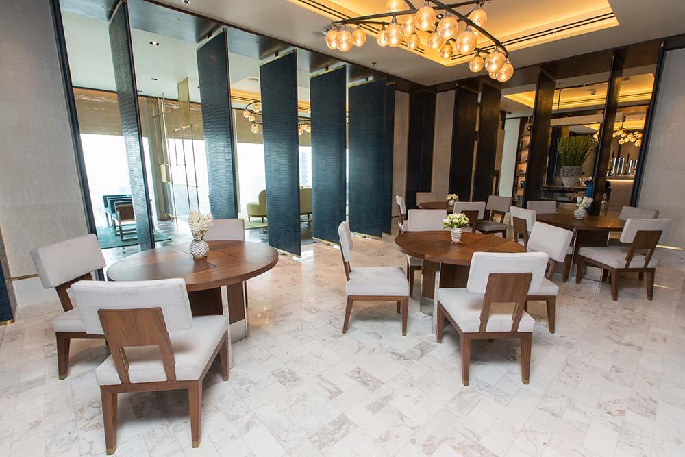 The Ritz Carlton Residences MahaNakhon David Collins x Decca round dining table (envio)