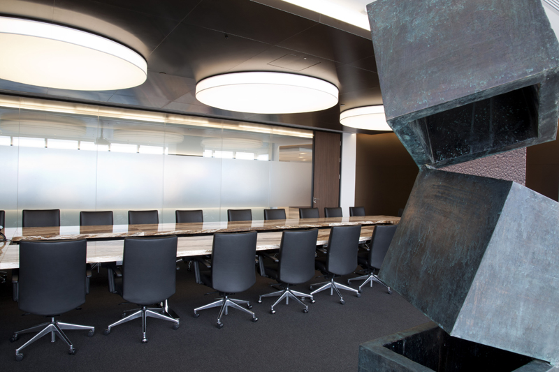 Robarts-Spaces-Rio-Tinto-Shanghai-Decca-Contract-meeting-table