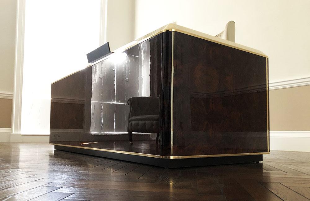 Luxury desk-Decca London-private office